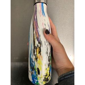 Swell Other - S'Well 17 oz Bottle in Rainbow
